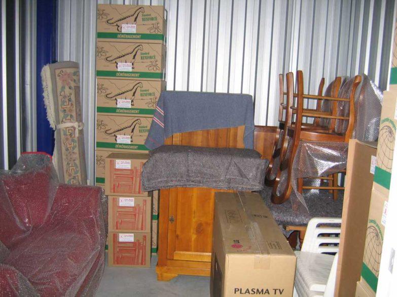 affaires d'hiver dans unité de stockage